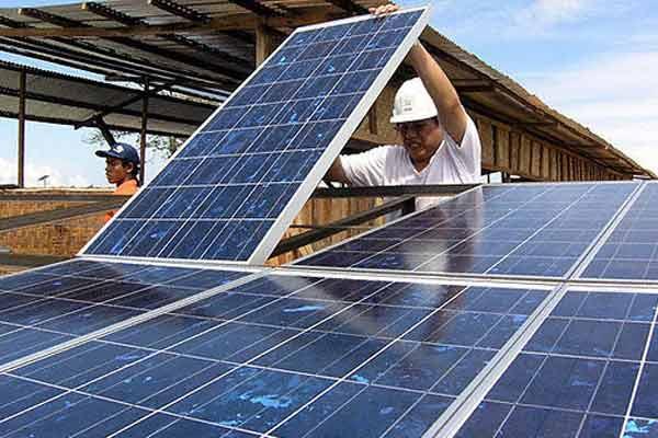 طرح توجیهی احداث نیروگاه خورشیدی با ظرفیت 10 مگاوات